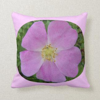 F0031w Wild Rose Prairie Wild rose Pillow