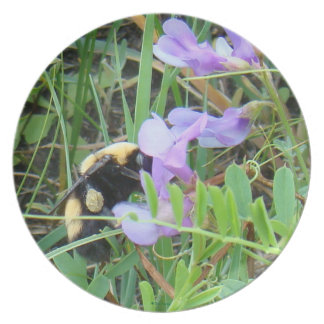 F0032 Bee on Purple Wildflowers Party Plates