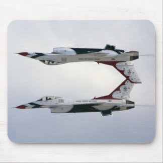F-16 Thunderbirds Maneuver - Inverted Mouse Pad
