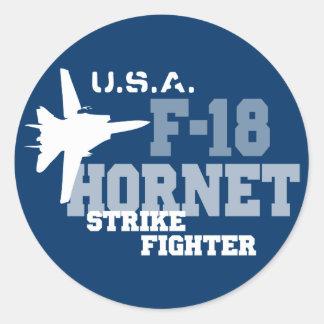 F-18 avispón - combatiente de la huelga pegatina redonda