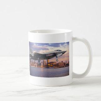 F-35 LIGHTNING FIGHTER AIRCRAFT COFFEE MUG