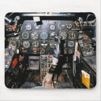 F-86 SABRE TAPETE DE RATONES