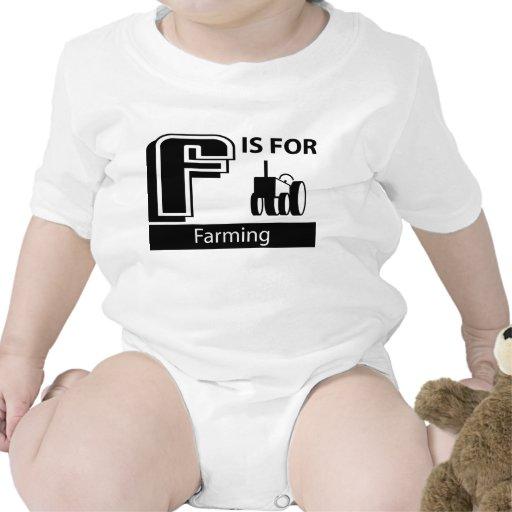F está para cultivar camisetas