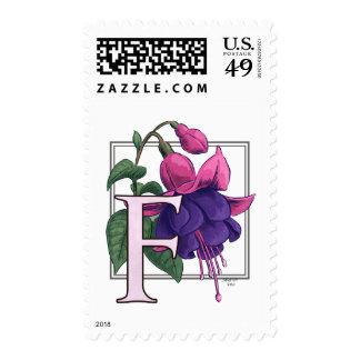 F para el franqueo fucsia del monograma de la flor