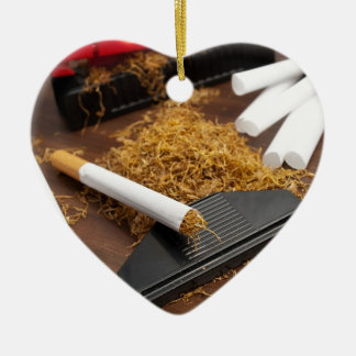 Fábrica casera del tabaco adorno navideño de cerámica en forma de corazón