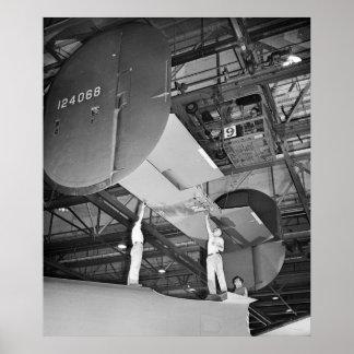 Fabricación del aeroplano de WWII, 1943 Póster