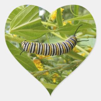 Fabricación del monarca pegatina en forma de corazón