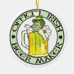 Fabricante de cerveza irlandés adorno navideño redondo de cerámica