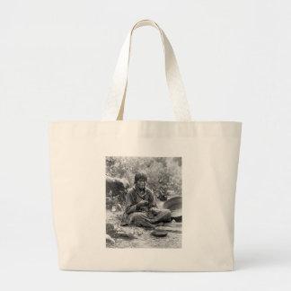 Fabricante de cesta del Paiute, 1902 Bolsas