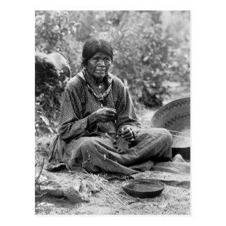 Fabricante de cesta del Paiute, 1902 Tarjetas Postales