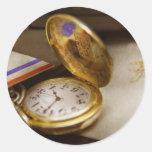 Fabricante del reloj - el tiempo nunca espera pegatina redonda