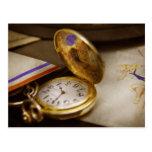 Fabricante del reloj - el tiempo nunca espera postal