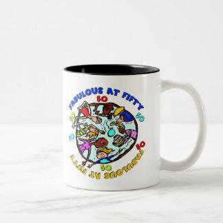 Fabuloso en los 50.os regalos de cumpleaños taza de café