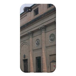 Facade of the Teatro Accademico (photo) iPhone 4 Case