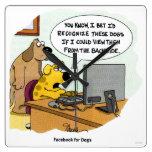 Facebook para los perros reloj cuadrado