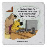 Facebook para los perros salvamanteles