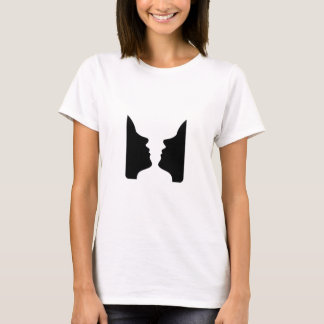 Faces or vase- illusion of two faces like a vase T-Shirt
