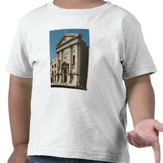 Fachada de la iglesia del della de Santa María Camiseta