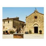 Fachada de una iglesia, iglesia del Romanesque, Postal