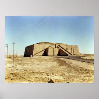 Fachada del noreste del ziggurat, c.2100 A.C. Poster