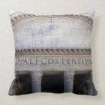 Fachada del panteón en Roma, Italia Cojín