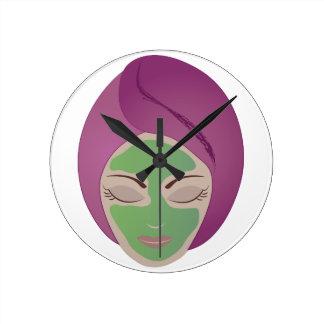 Facial Round Clock