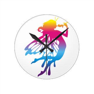 Faerie con colores hermosos reloj de pared