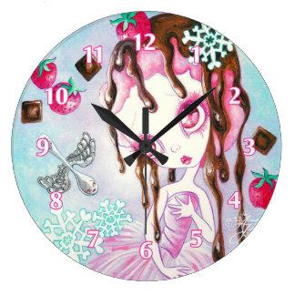 Faerie del helado de chocolate de la fresa reloj redondo grande