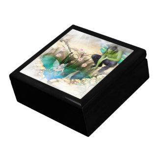Faerie en la ilustración de la charca de Elven Cajas De Recuerdo