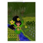 Faery violeta en el campo de la tarjeta de las flo