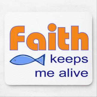 Faith keeps me alive, Christian fish symbol Mouse Pad