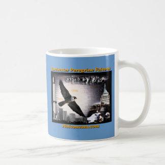 Falcons de peregrino de Rochester de la taza de
