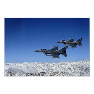 Falcons que luchan del F-16 de la fuerza aérea de  Fotos