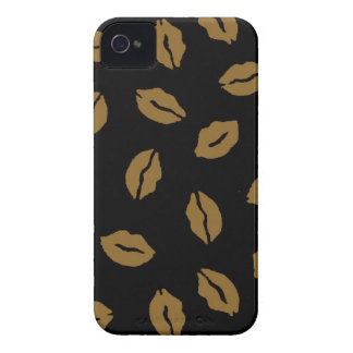 Fall kisses pattern Case-Mate iPhone 4 case