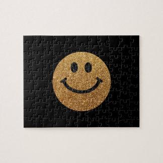 Falsa cara del smiley del brillo del oro rompecabeza con fotos