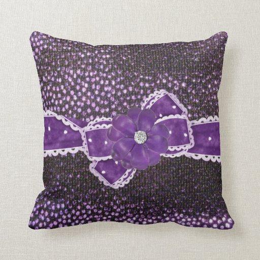 Falsa cinta púrpura, arco y almohada jeweled de Mo