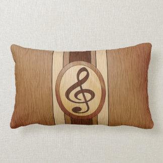 Falsa madera elegante con el clef agudo del almohada