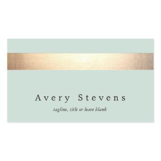 Falsa moda azul clara elegante rayada de la hoja tarjetas de visita