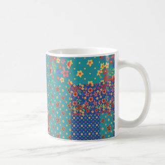 Falsa taza de café nostálgica elegante del