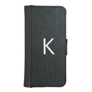 Falsa textura de cuero negra con monograma fundas billetera para teléfono