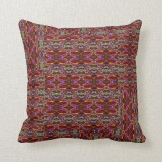 Falsas almohadas reunidas multicoloras del edredón