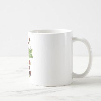 Falsas fresas frescas bordadas taza clásica
