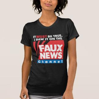 Falsas noticias (en oscuridad) camisetas