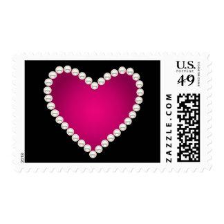 Falsas perlas impresas y corazón rosado franqueo