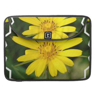 """False Sunflower 15"""" Messenger Bag Sleeves For MacBook Pro"""