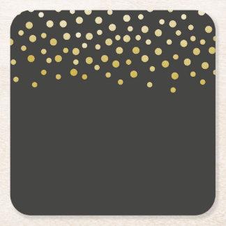 Falso confeti de la hoja del oro posavasos de cartón cuadrado