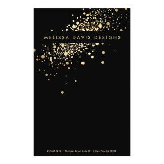 """Falso confeti del oro en el aviador negro folleto 5.5"""" x 8.5"""""""