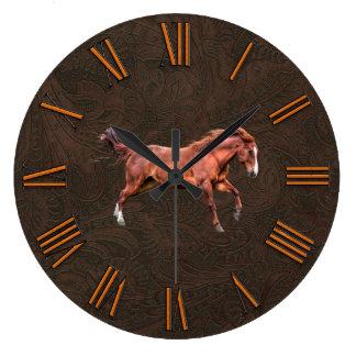 Falso cuero equipado, tallado con el caballo rojo reloj