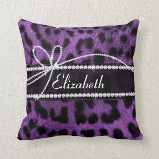 Falso estampado de animales negro púrpura hermoso  cojin
