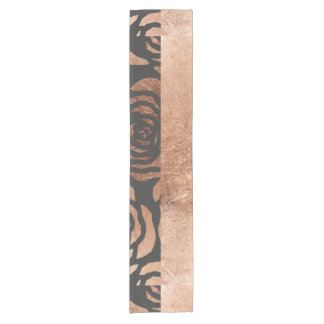 Falso floral de bronce y negro elegantes camino de mesa corto